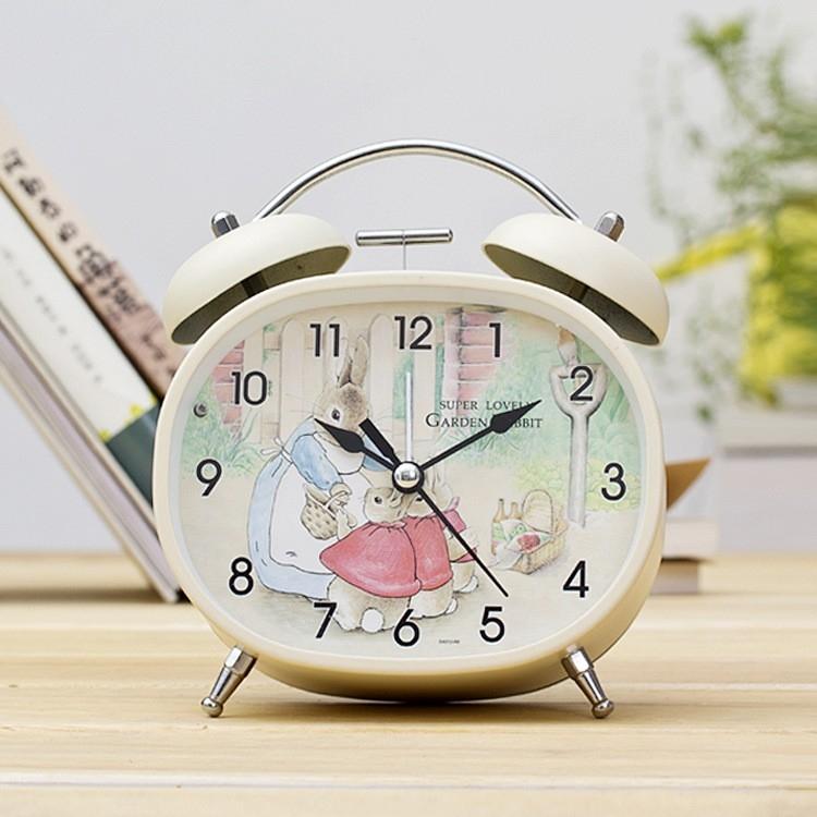 Bài văn tả chiếc đồng hồ báo thức số 10