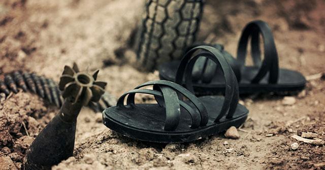 Bài văn thuyết minh về đôi dép lốp thời kháng chiến số 4
