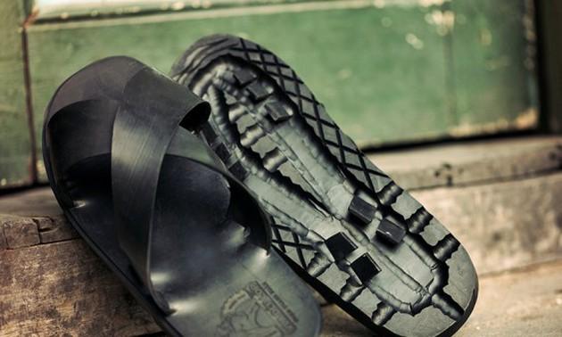 Bài văn thuyết minh về đôi dép lốp thời kháng chiến số 9