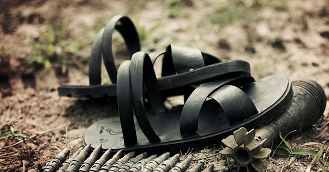 Bài văn thuyết minh về đôi dép lốp thời kháng chiến số 10