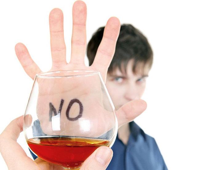 Bài văn thuyết minh về tác hại của rượu số 7