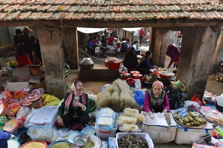 Phiên chợ Tết ở quê em