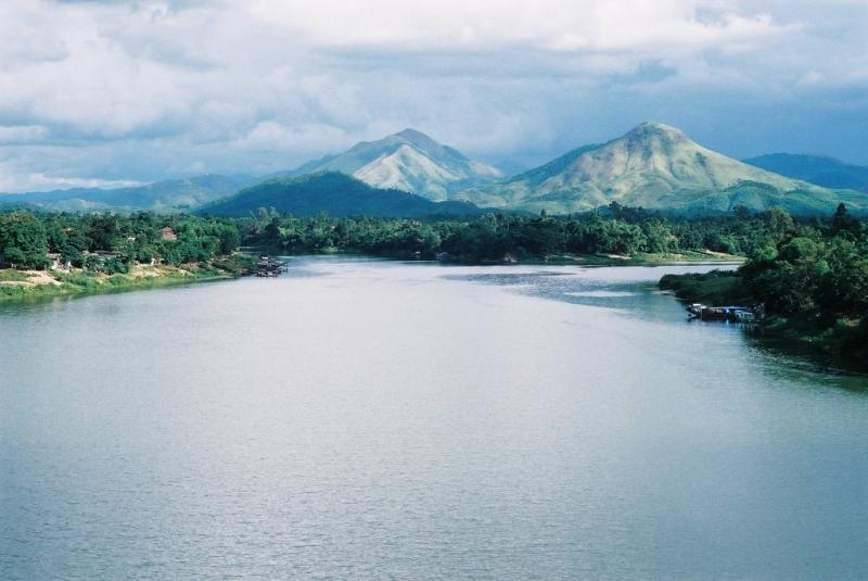 Bài văn tả dòng sông quê hương số 18