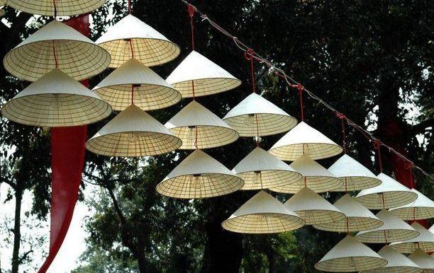 Bài văn thuyết minh về chiếc nón lá (bài số 1)