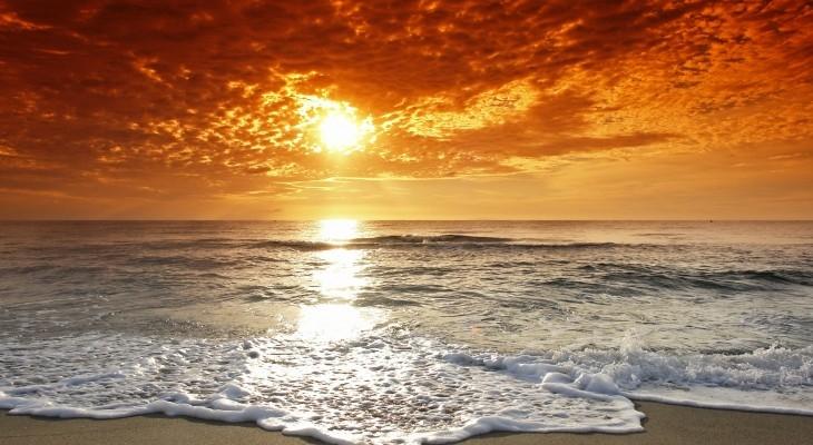 Biển thật đẹp dù là bình minh hay hoàng hôn