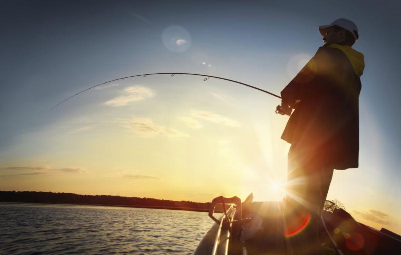 Dàn ý bài văn: Tả cụ già đang ngồi câu cá (bài 1)