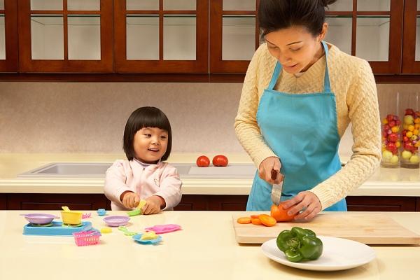 Dàn ý bài văn: Tả mẹ đang nấu cơm (bài 11)