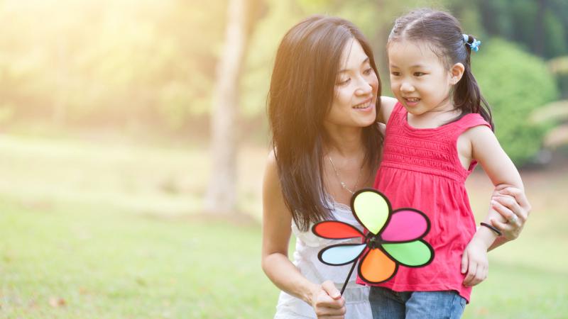 Dàn ý bài văn: Tả mẹ em (bài số 11)