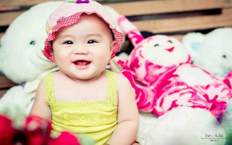 Em bé nhà cô Thanh thật dễ thương